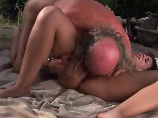 Teen with big bottom gets her many times used mouth fucked again by horny man