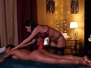 Erotic massage leads to sex (Alana Cruise and Honey Gold)