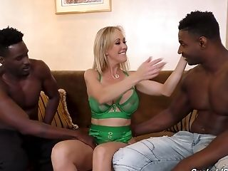 Brandi Love has been around the block and she knows how to tame big cocks