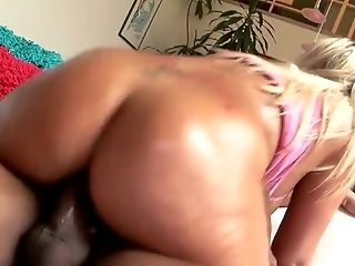 Curvy blond MILF Heidi Hollywood rides BBC ardently after solid fellatio