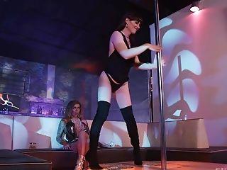 Striptease: 35 Videos