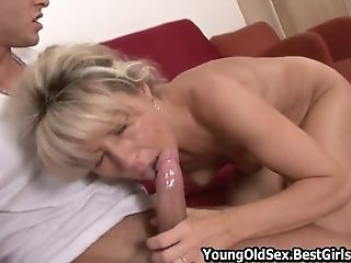 Young Studend Gets Cock Hard When Licks Cougar Cunt