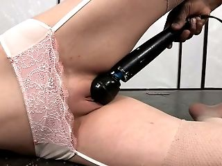 Promiscuous nympho Sierra Cirque is not new to rope bondage