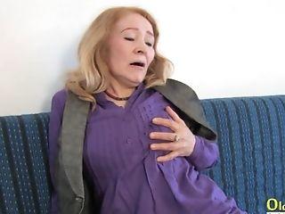 Grandma playing with hard dick and got fucked hardcore way