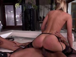 Sexy Sharon Saint and Luna Corazon like to share a stiff pecker